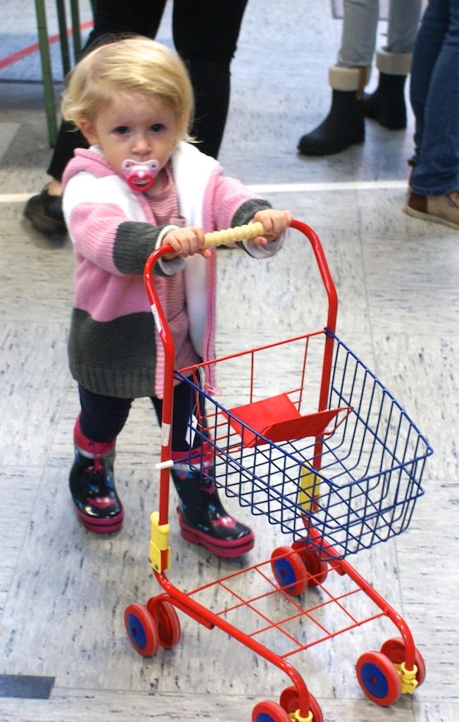 Kinderkleider und spielzeugmarkt dorfgeflüster