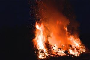 Der helle Schein der Flammen war schon von weitem zu sehen