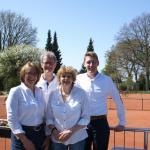 Freuten sich über das schöne Wetter zum Saisonauftakt (v.l.): Claudia Prater-Tost, Jörg Hilpert, Gerda Sonntag und Rolf Krohn