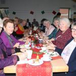 Bei Kaffee und Kuchen kamen die Mitglieder des Sozialverbands ins Gespräch und verbrachten einen besinnlichen Nachmittag.