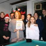 Martina Niehusen (4. von links) und ihre Helferteam freuten sich über die Auszeichnung ihrer Arbeit.